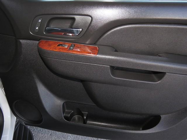 2012 Chevrolet Suburban LT 1500 – Stock #KP197210