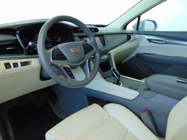 2017 Cadillac XT5 Luxury – Stock #Q94483