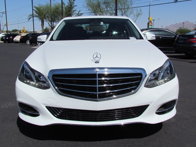 New mercedes benz inventory mercedes benz of tucson for Mercedes benz e350 luxury sedan 2014