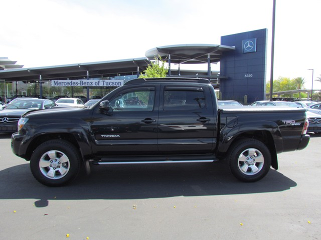 Used 2010 toyota tacoma prerunner v6 crew cab for sale for Mercedes benz of tacoma