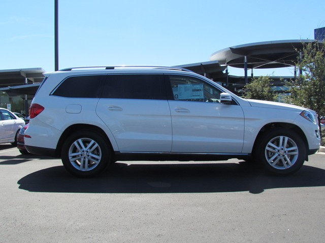 New mercedes benz inventory mercedes benz of tucson for Mercedes benz gl450 4matic price