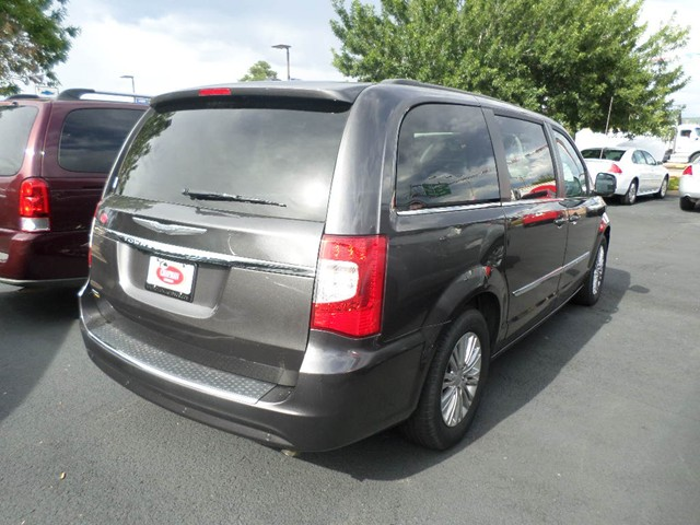 used 2015 chrysler town and country touring l stock 4924p chapman automotive group. Black Bedroom Furniture Sets. Home Design Ideas