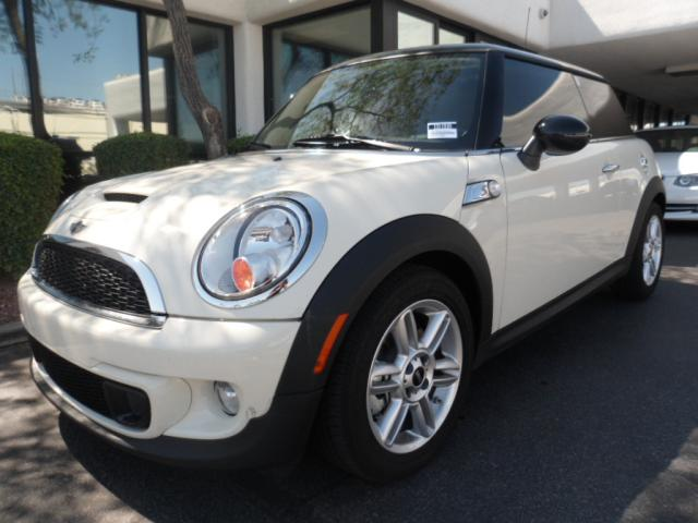 2011 MINI Cooper Hardtop S 8147 miles Chapman BMW is located at 12th and Camelback in Phoenix 602-