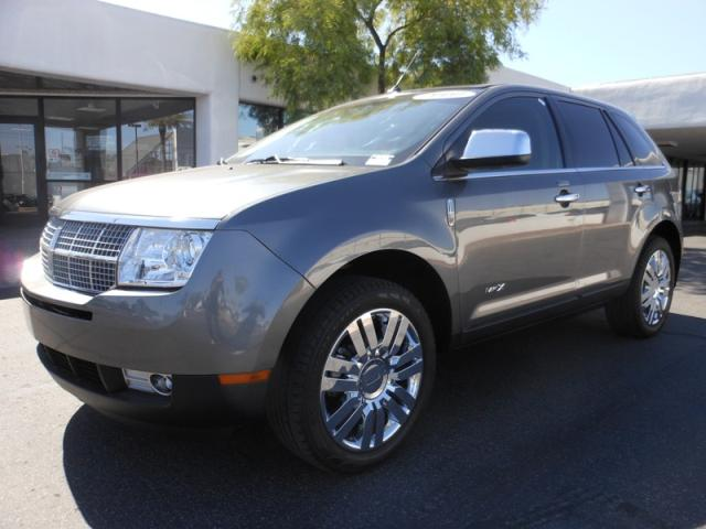 2010 Lincoln MKX 25260 miles Chapman BMW is located at 12th and Camelback in Phoenix 602-385-2286