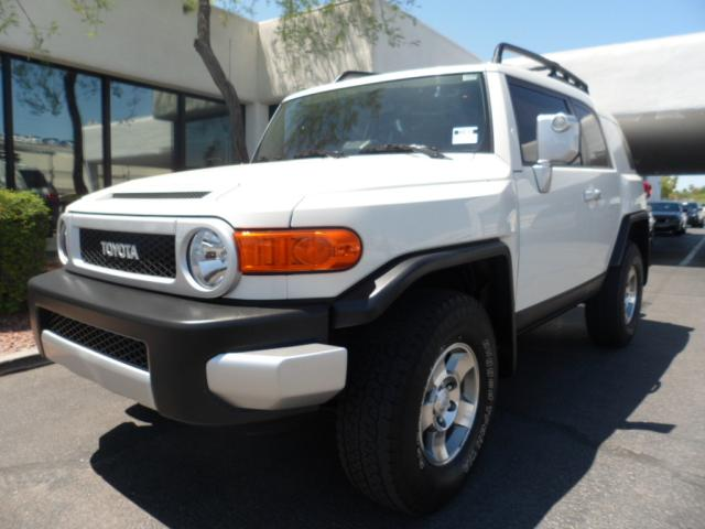 2010 Toyota FJ Cruiser 4WD 28012 miles Chapman BMW is located at 12th and Camelback in Phoenix 602
