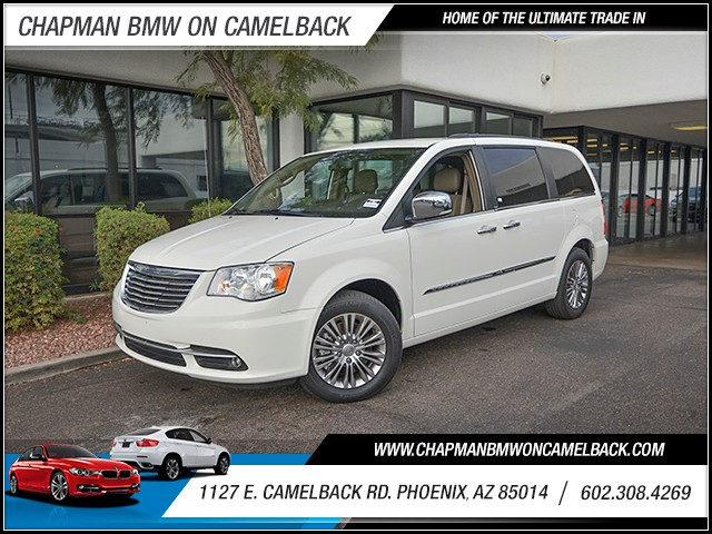 2013 Chrysler Town and Country Touring-L 43498 miles Wireless data link Bluetooth Cruise control