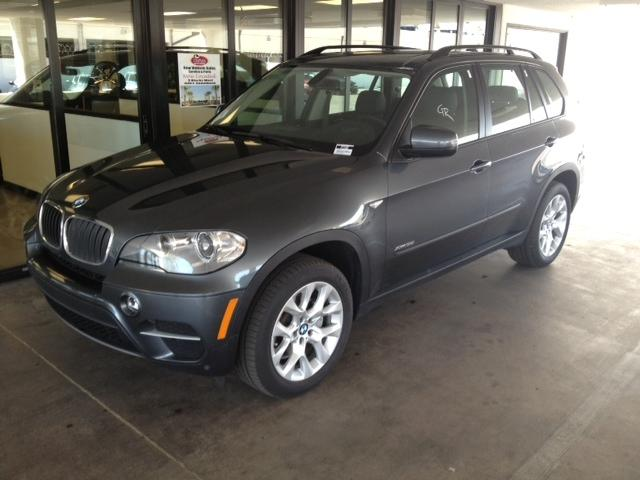 2013 BMW X5 35i AWD 17875 miles BMW corporate Demo All the benefits of buying a new car without t