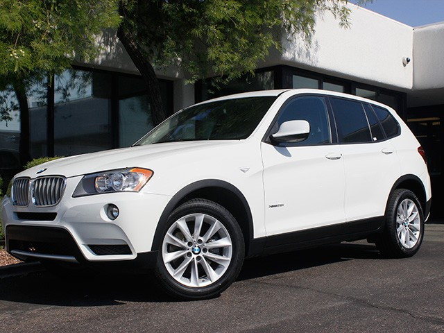 2013 BMW X3 xDrive28i 40033 miles Premium Package Power tailgate Power front glass Alarm syste