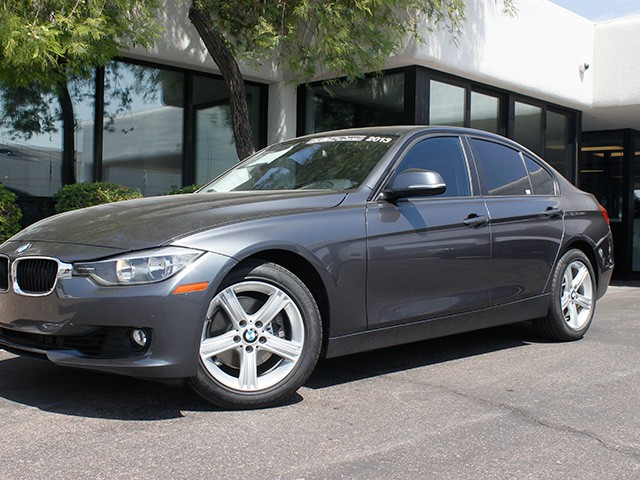 2013 BMW 3-Series 328i 25635 miles Premium Package Satellite communications BMW Assist Wireless