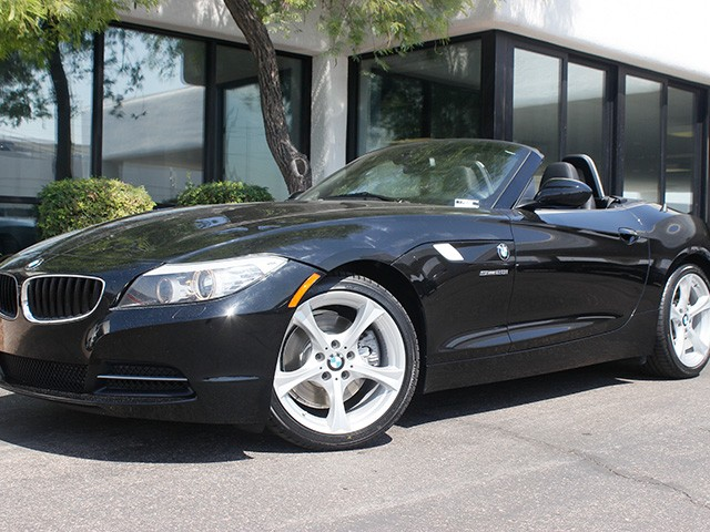 2013 BMW Z4 sDrive28i 23581 miles Sport Package Satellite communications BMW Assist Wireless da