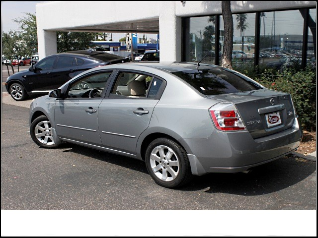 used 2007 nissan sentra 2 0 s stock p9297a chapman automotive group. Black Bedroom Furniture Sets. Home Design Ideas