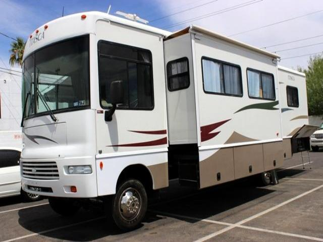 2007 Itasca Sunova 33T CLASS A RV 6937 miles Chapman BMW is located at 12th and Camelback in Phoen