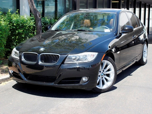 2011 BMW 3-Series Sdn 328i 24199 miles Premium Package 2 Value Package Voice-command Hi-fi soun
