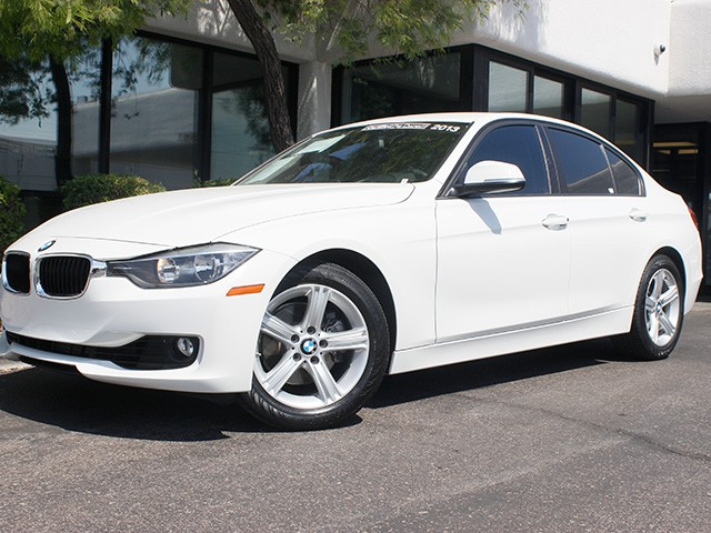 2013 BMW 3-Series 328i 24226 miles Power front seats Rain sensor and auto headlights Hands-free