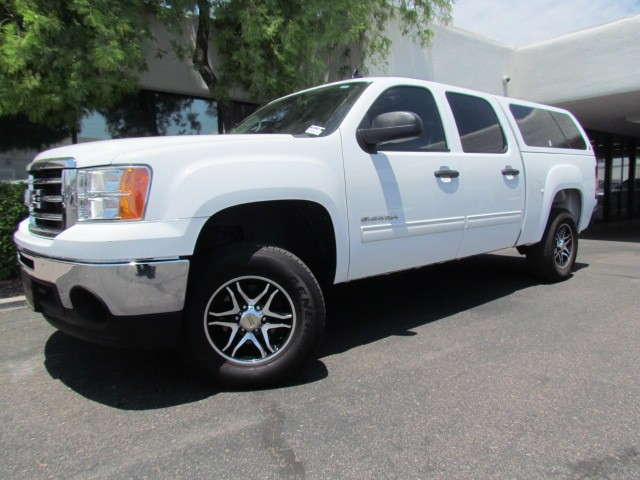 2012 GMC Sierra 1500 SLE Crew Cab 61208 miles 1127 E Camelback BUY WITH CONFIDENCE Chapm