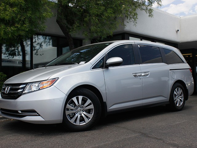 2014 Honda Odyssey EX-L 14147 miles 602 385-2286 1127 E Camelback HOME OF THE ULTIMATE TRADE