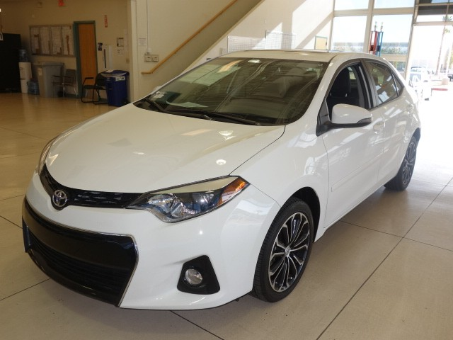 used 2015 toyota corolla s stock 16j413a chapman automotive group. Black Bedroom Furniture Sets. Home Design Ideas