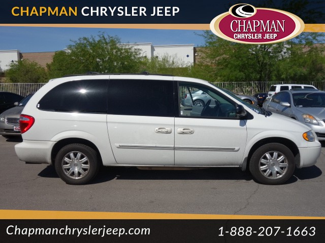used 2006 chrysler town and country touring for sale. Black Bedroom Furniture Sets. Home Design Ideas