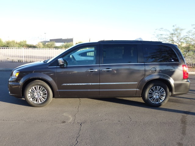 2016 chrysler town and country touring l anniversary edition for sale stock 16c148 chapman. Black Bedroom Furniture Sets. Home Design Ideas