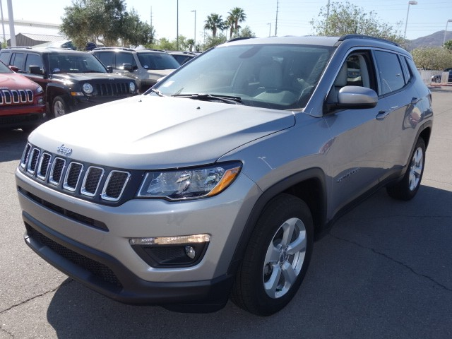 2017 jeep compass latitude in las vegas nevada 702 338 5900 stock 17j644 lawrence ennis. Black Bedroom Furniture Sets. Home Design Ideas