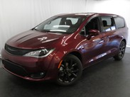 2020 Chrysler Pacifica Touring Stock#:20C002