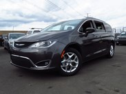 2020 Chrysler Pacifica Touring Stock#:20C025