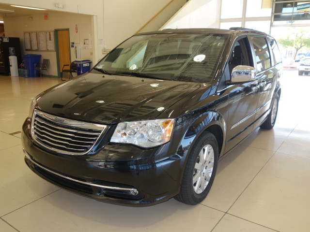 used 2012 chrysler town and country touring l stock 189371a chapman automotive group. Black Bedroom Furniture Sets. Home Design Ideas