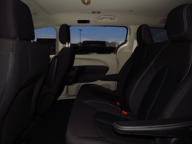 2020 Chrysler Voyager L