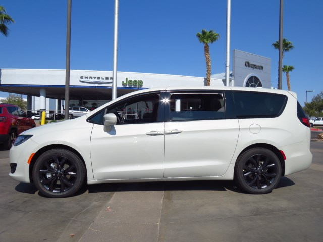 2020 Chrysler Pacifica Touring in Henderson Nevada - Stock ...