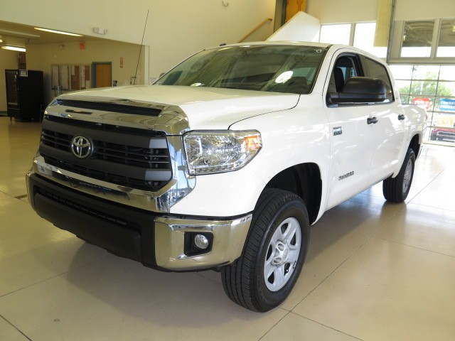 used 2014 toyota tundra sr5 crew cab stock 759518a chapman automotive group. Black Bedroom Furniture Sets. Home Design Ideas