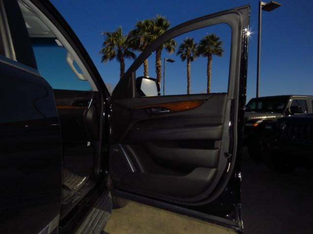 2016 Cadillac Escalade ESV Luxury Collection – Stock #E18J1362A
