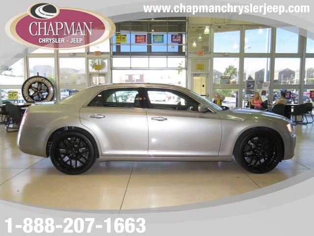 2014 Chrysler 300  Details