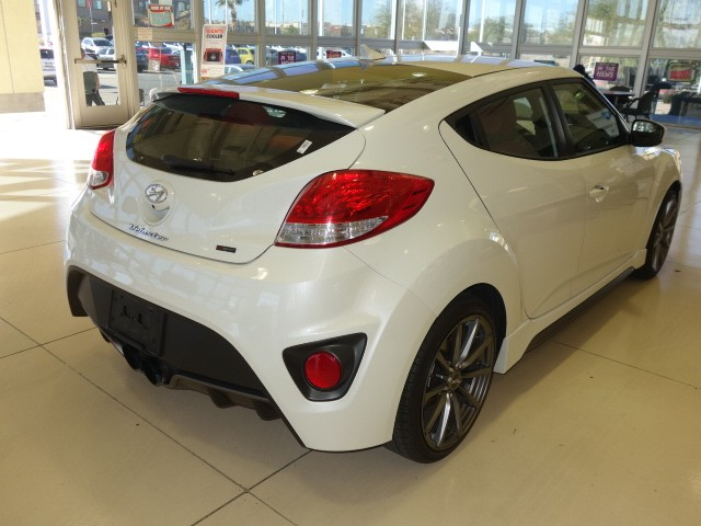 used 2014 hyundai veloster turbo r spec stock p4386b chapman automotive group. Black Bedroom Furniture Sets. Home Design Ideas
