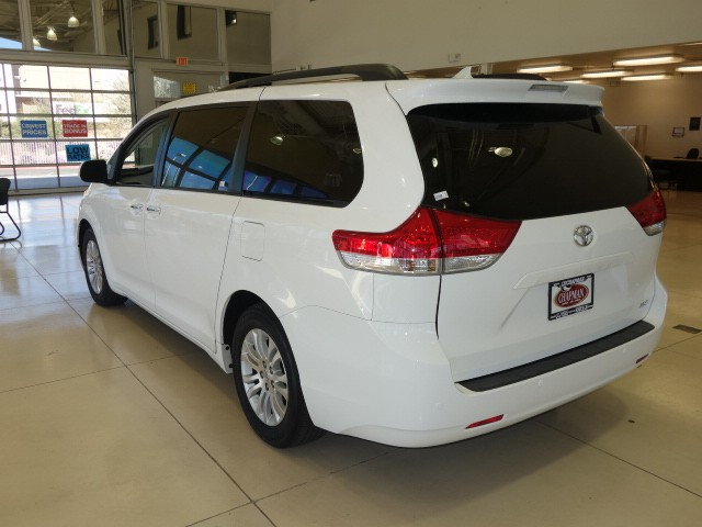 Used 2011 Toyota Sienna Xle 8 Passenger Stock Pc1442