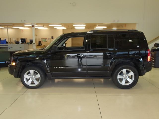 used 2014 jeep patriot latitude stock pc1526 chapman automotive group. Black Bedroom Furniture Sets. Home Design Ideas