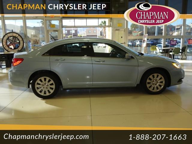 2014 Chrysler 200 LX Details