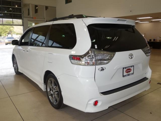 2015 Toyota Sienna SE Premium 8-Passenger