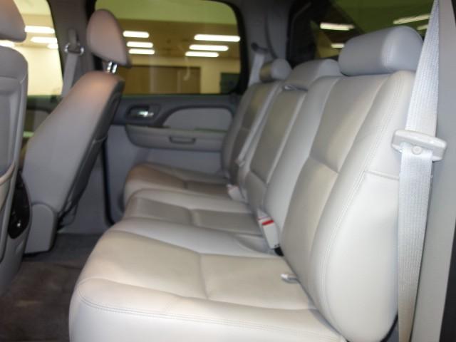 2009 Chevrolet Avalanche LTZ Crew Cab