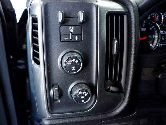 2017 Chevrolet Silverado 1500 LT Crew Cab – Stock #D9307A
