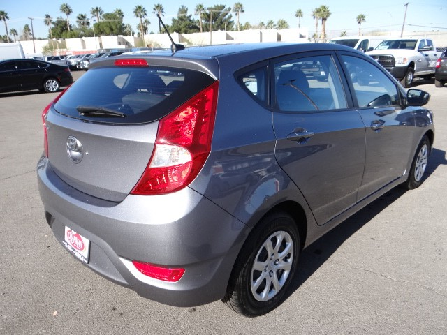 used 2014 hyundai accent gs stock 20617 chapman automotive group. Black Bedroom Furniture Sets. Home Design Ideas