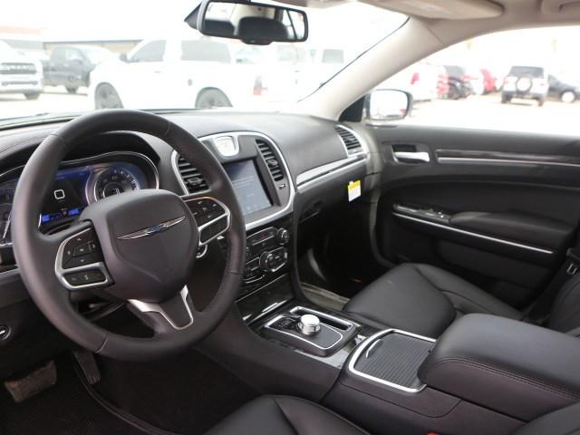 2020 Chrysler 300 Touring L