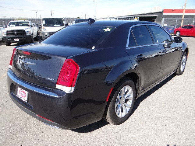 used 2015 chrysler 300 limited stock c5294x chapman. Black Bedroom Furniture Sets. Home Design Ideas