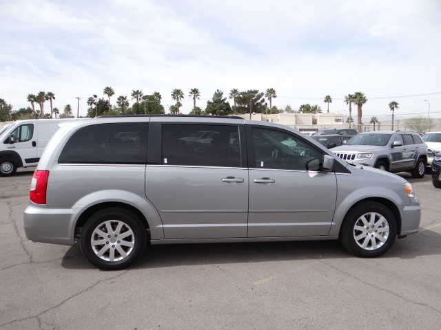 used 2015 chrysler town and country lx for sale stock c5376x chapman chrysler jeep. Black Bedroom Furniture Sets. Home Design Ideas