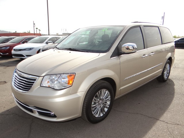 used 2016 chrysler town and country touring l stock c6048x chapman automotive group. Black Bedroom Furniture Sets. Home Design Ideas