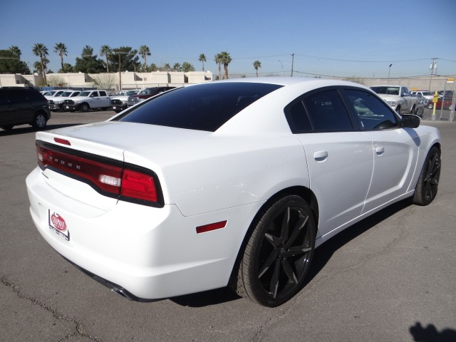 used 2014 dodge charger se stock cp61528 chapman automotive group. Black Bedroom Furniture Sets. Home Design Ideas