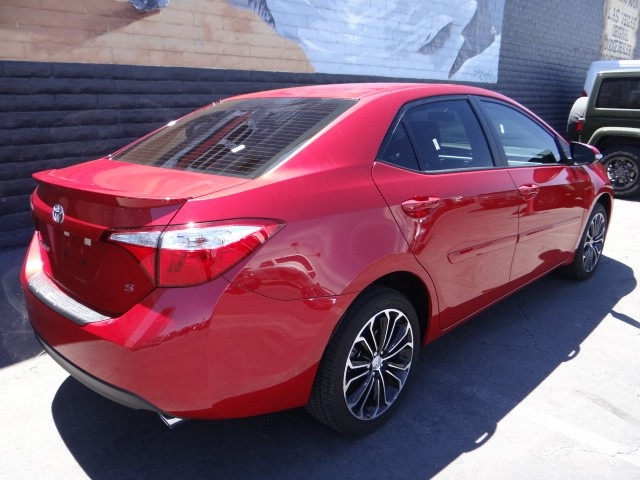 used 2016 toyota corolla s stock j6404a chapman automotive group. Black Bedroom Furniture Sets. Home Design Ideas