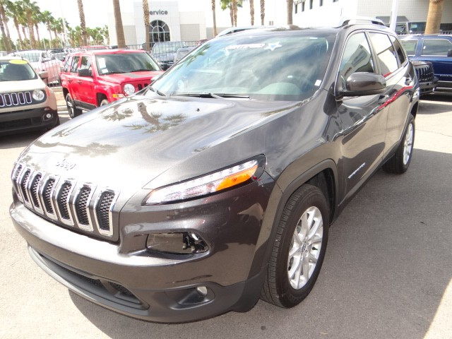 used 2016 jeep cherokee latitude stock l6175 chapman automotive group. Black Bedroom Furniture Sets. Home Design Ideas