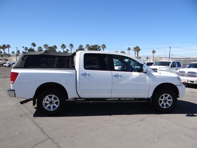 used 2004 nissan titan se crew cab for sale stock r6224a chapman chrysler jeep. Black Bedroom Furniture Sets. Home Design Ideas