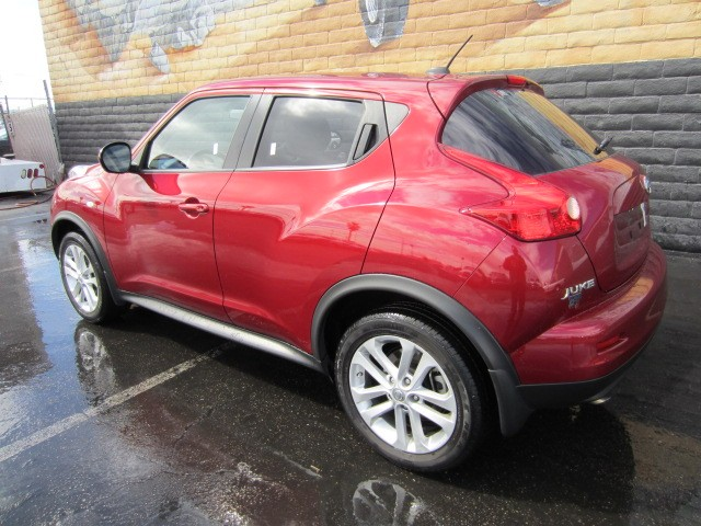 used 2011 nissan juke sv for sale stock r6272a chapman. Black Bedroom Furniture Sets. Home Design Ideas