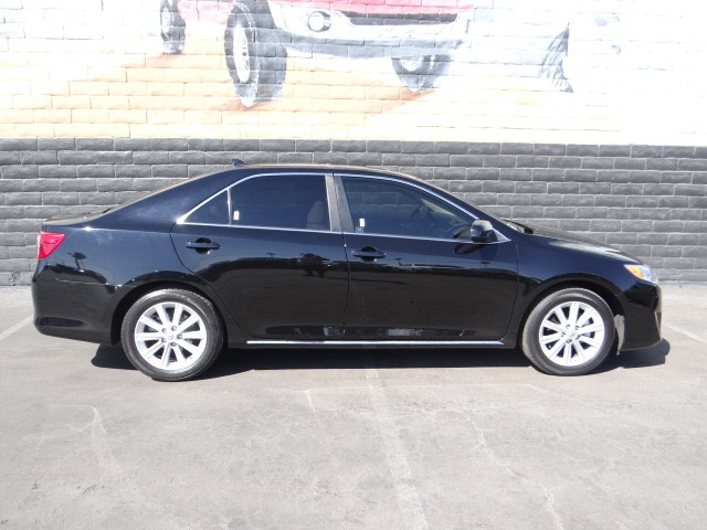 used 2014 toyota camry xle stock r6317a chapman automotive group. Black Bedroom Furniture Sets. Home Design Ideas